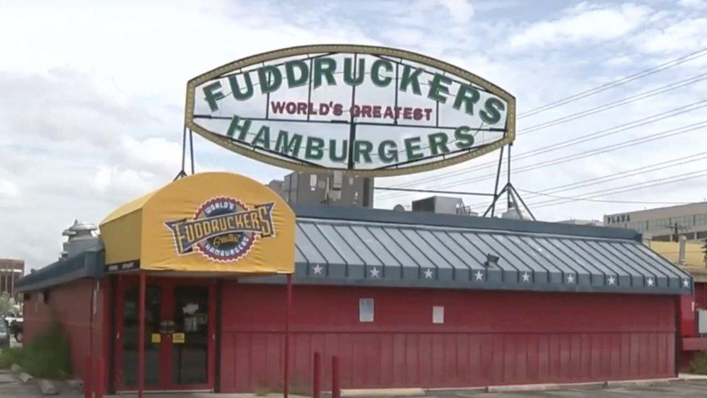Fuddruckers exterior signage