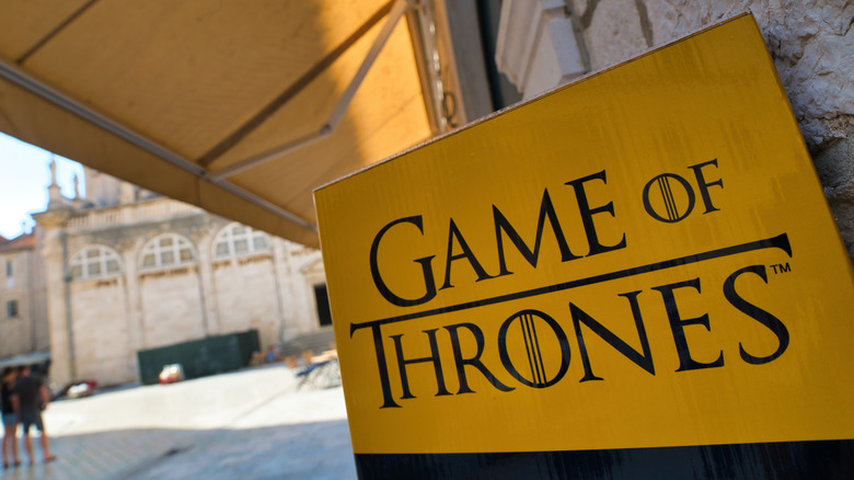 Game of Thrones yellow sign