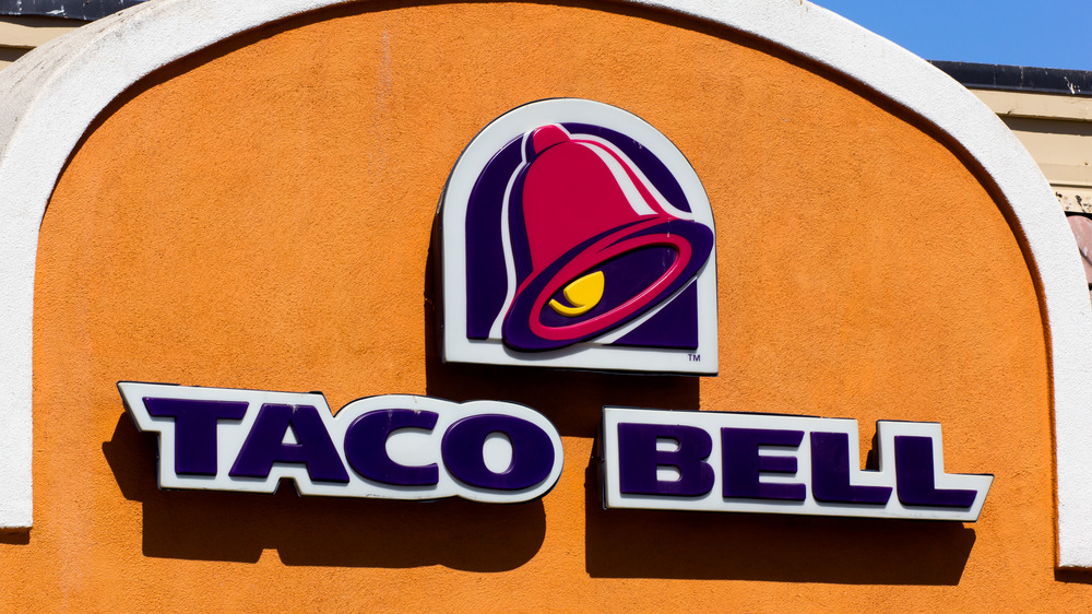 Taco Bell sign and logo