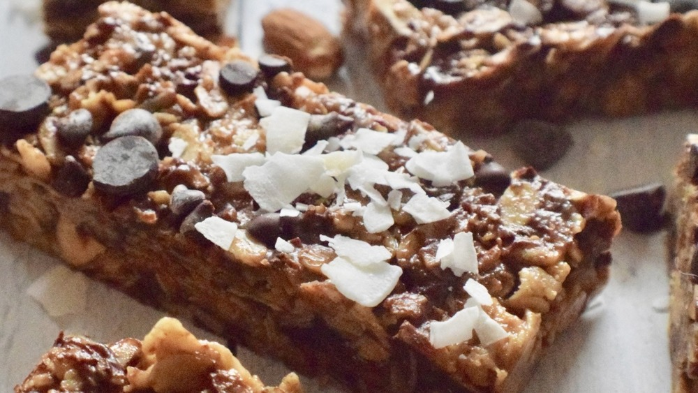 granola bars with chocolate chips and coconut