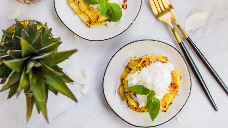 Grilled pineapple with whipped topping