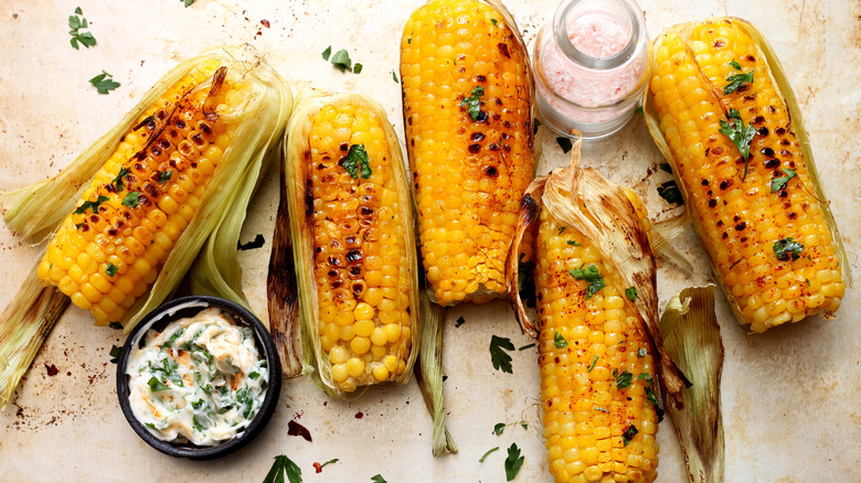 Grilled corn with paprika and sauce