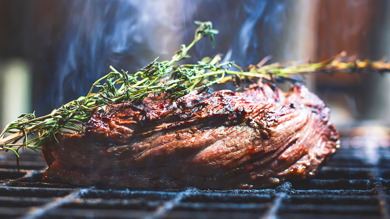 Beef filet grilled with herbs