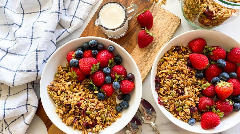 granola and fruit bowl