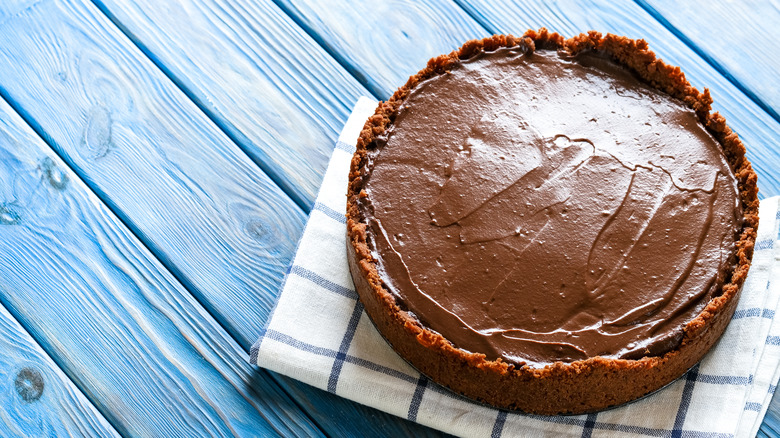 Mississippi mud pie on rustic background