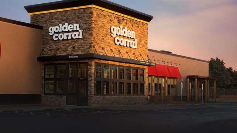 Golden Corral restaurant exterior