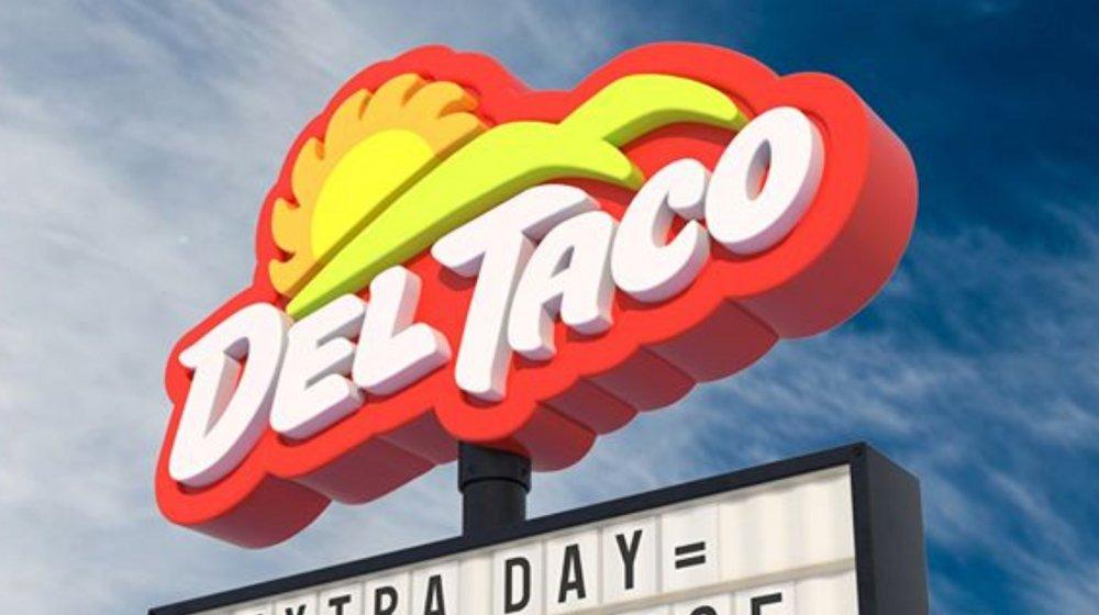 Del Taco sign