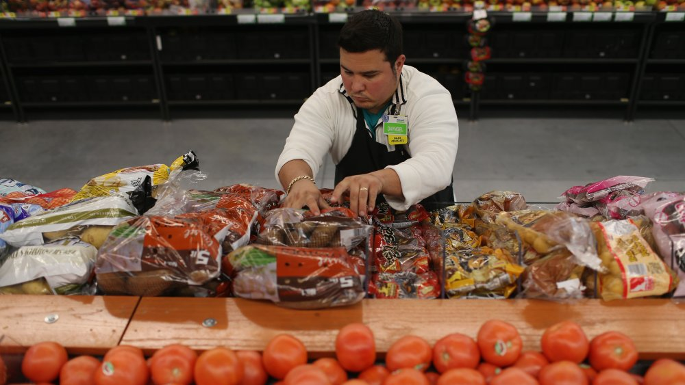 what grocery store workers really make