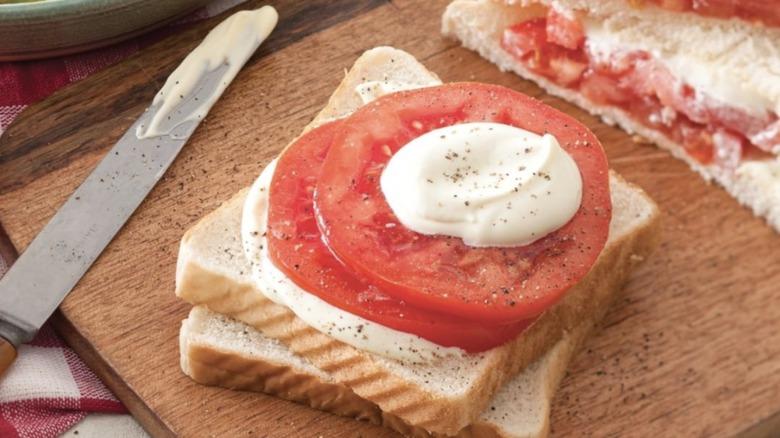 Tomato and mayonnaise sandwich