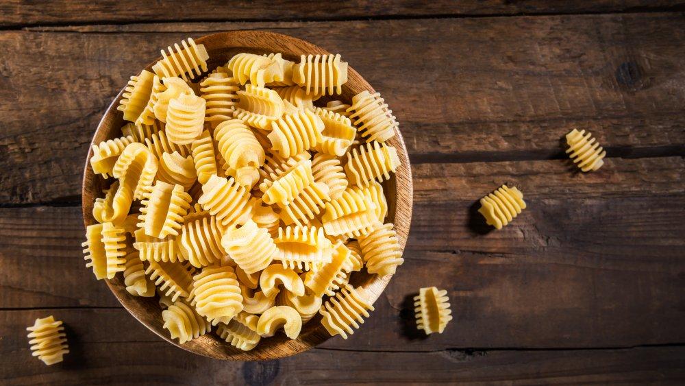Dried radiatori pasta