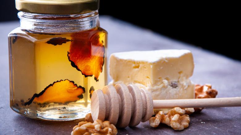 Truffle honey