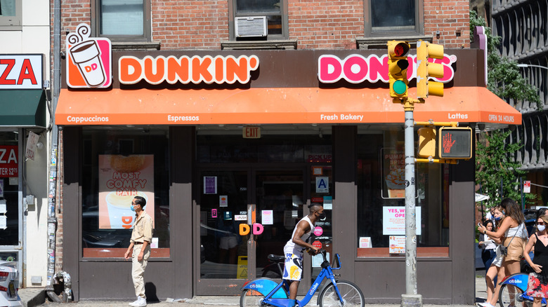 A generic image of a Dunkin' outlet