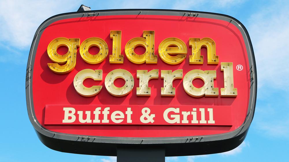 Golden Corral sign