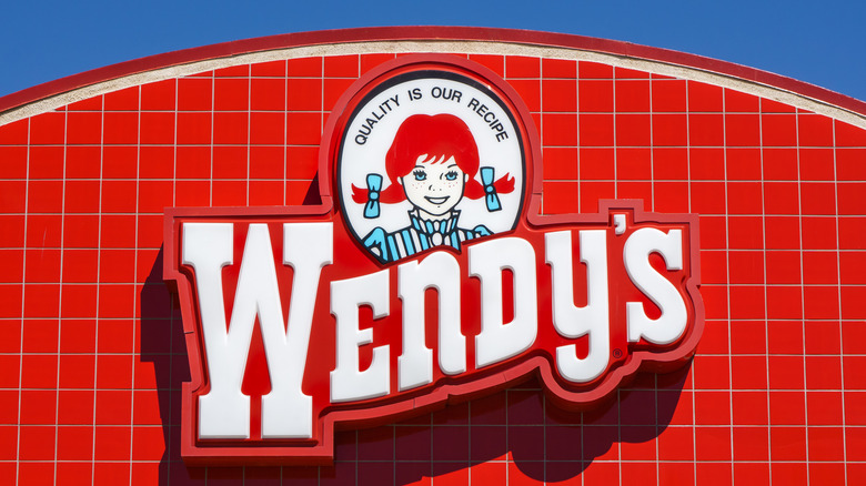 Wendy's exterior sign