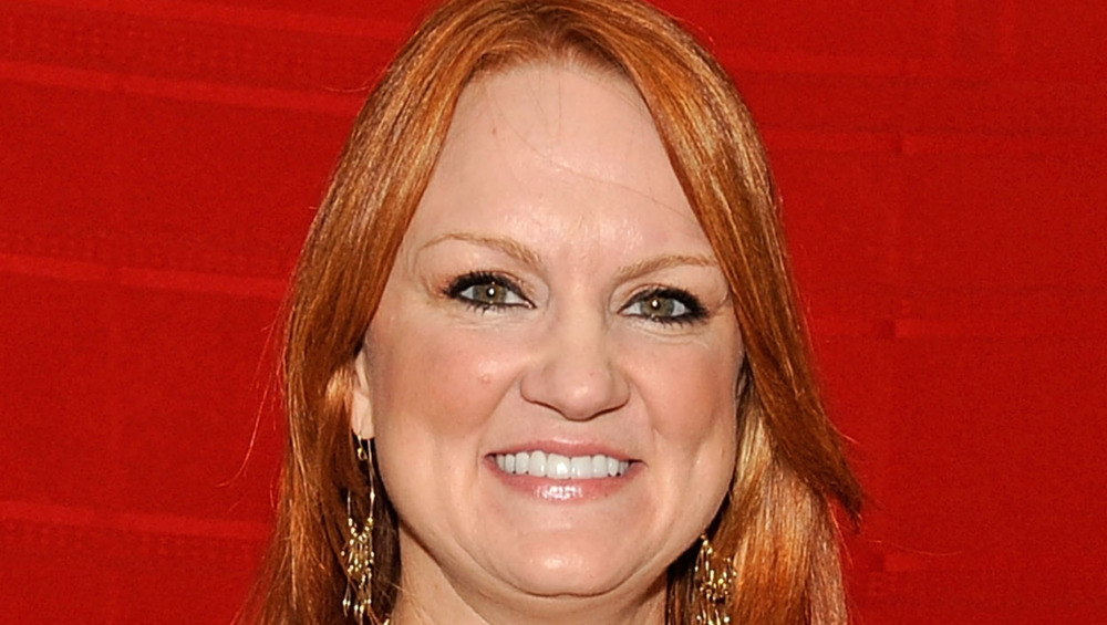 Ree Drummond wearing gold jewelry
