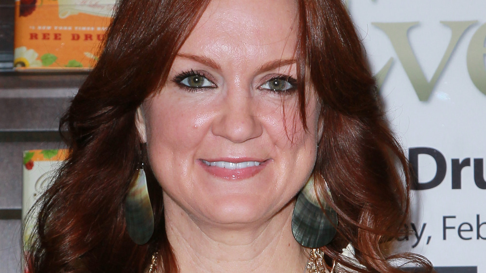 Ree Drummond in a bookstore