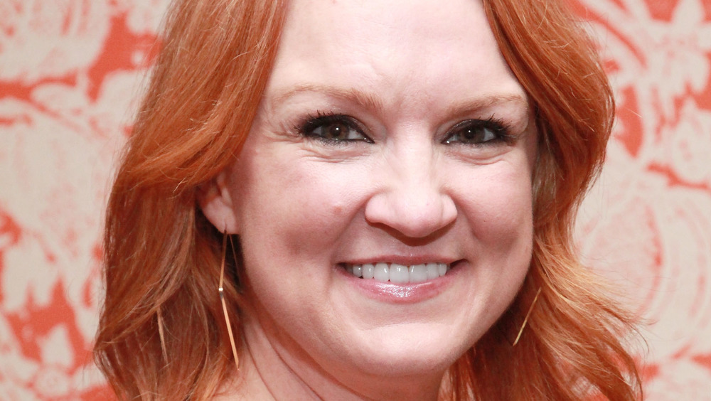 Ree Drummond aka the Pioneer Woman posing at an event