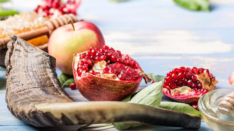 Traditional foods representing Rosh Hashanah