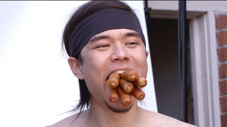 how to eat a hot dog like matt stonie