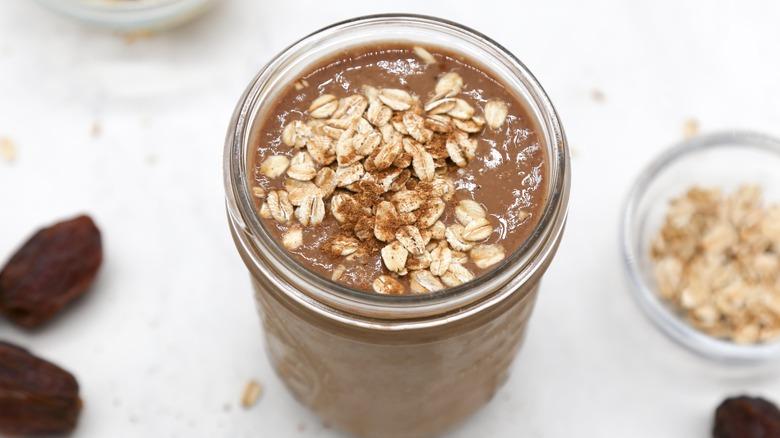 oat breakfast smoothie in jar