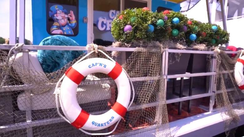 Cap'n Crunch houseboat