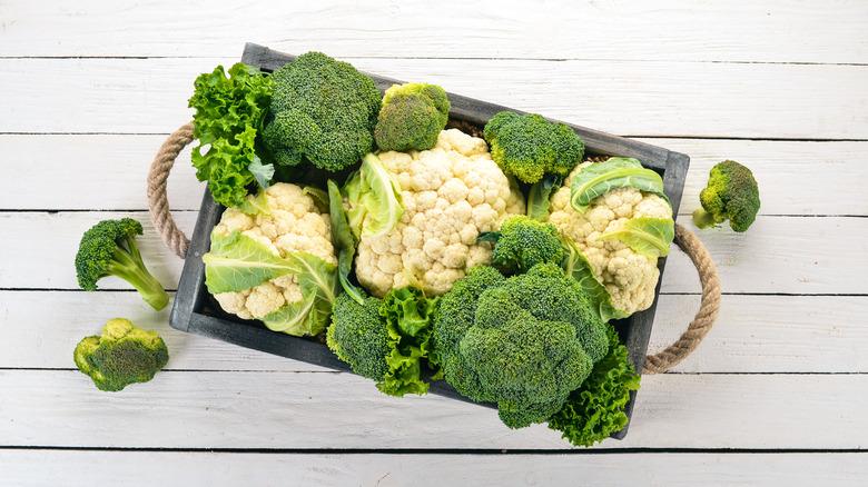 Cauliflower and broccoli on a tray