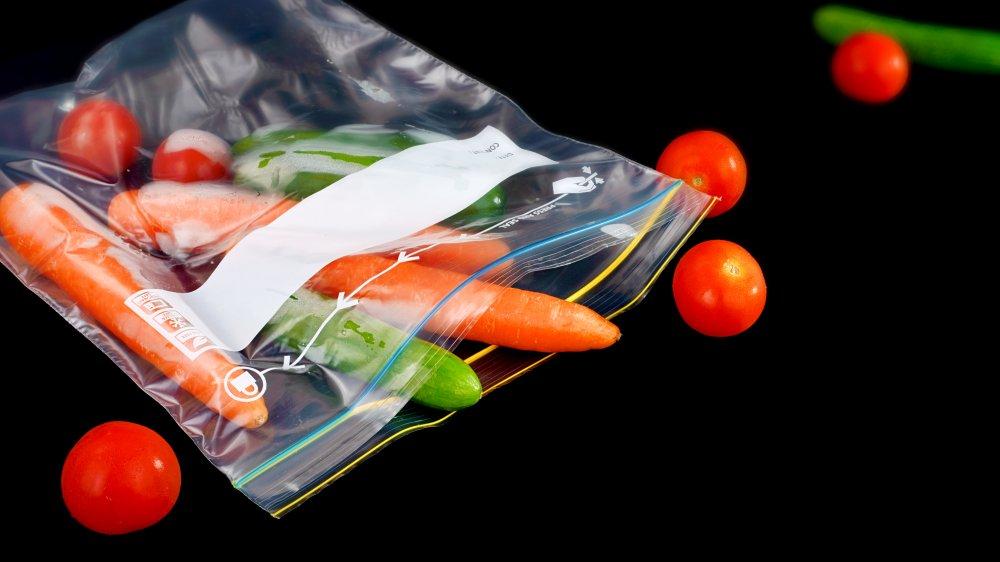 plastic ziplock bag