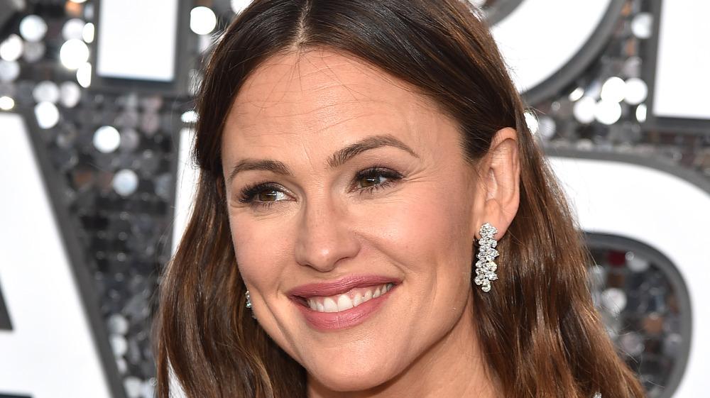 Jennifer Garner in diamond earrings