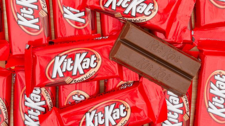 Regular Kit Kats in packaging