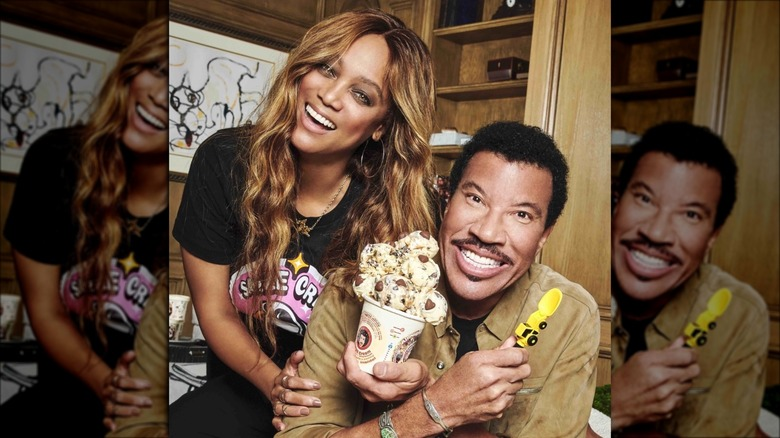 tyra banks and lionel richie revealing smize ice cream flavor