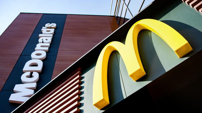McDonald's sign and logo
