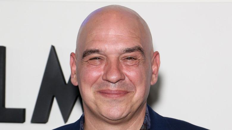 Headshot of Michael Symon