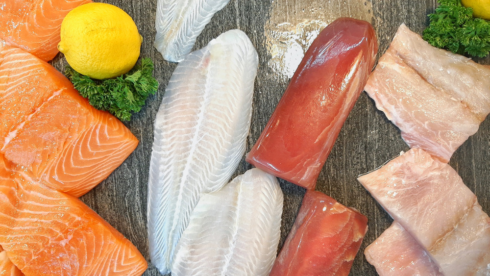 Assorted raw fish with lemon