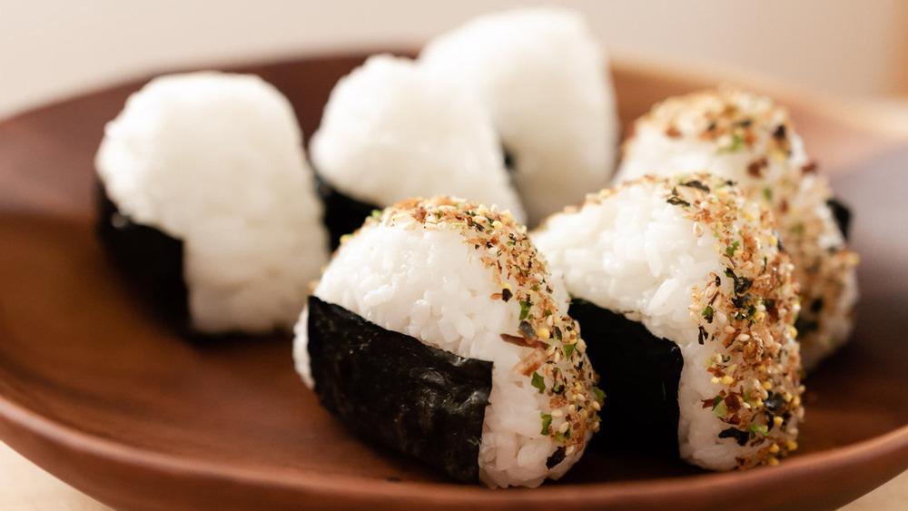 onigiri recipe on display