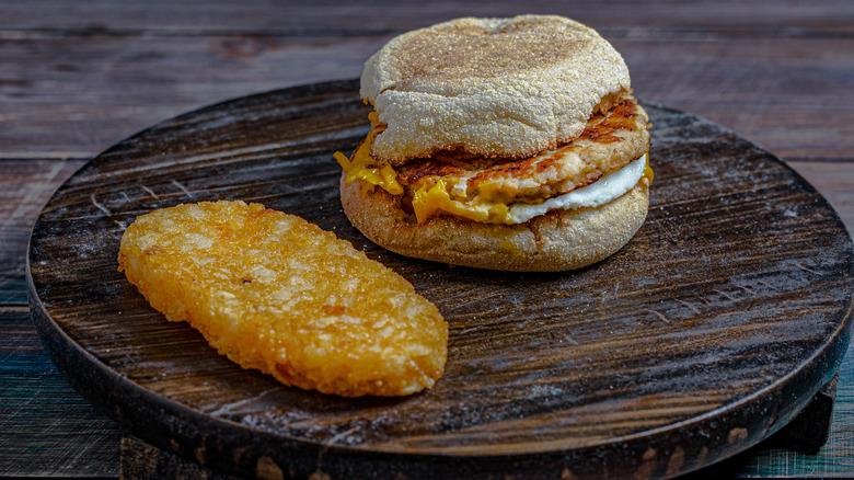 breakfast sandwich and hashbrown