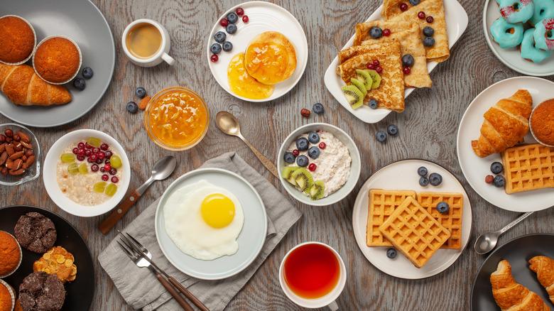 Spread of breakfast foods