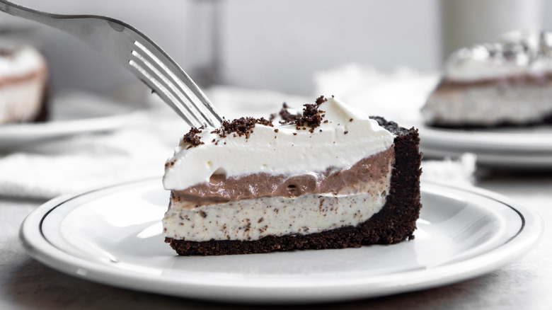 fork in oreo pudding pie