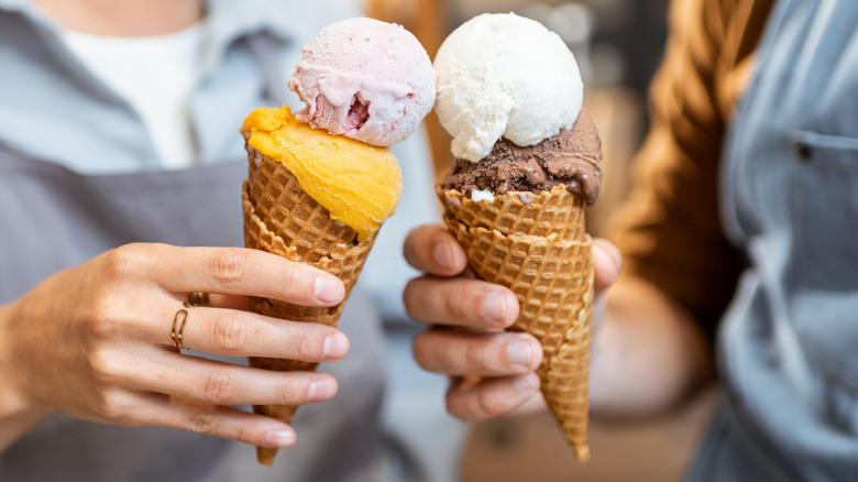 Two double scoop ice cream cones
