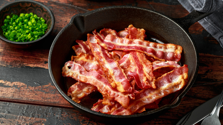Streaky bacon in a bowl