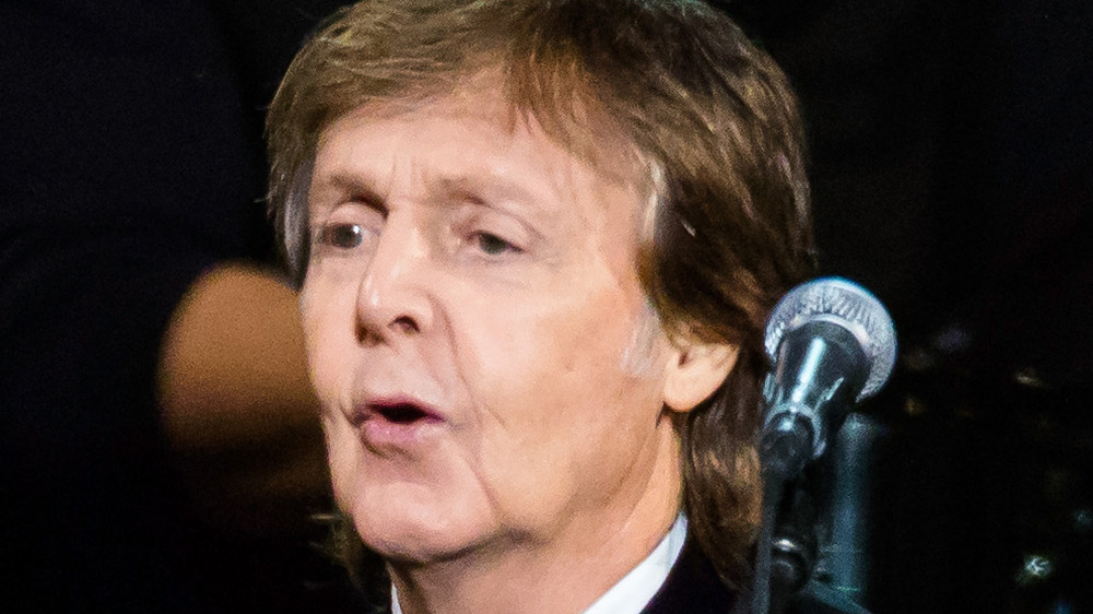 Paul McCartney singing