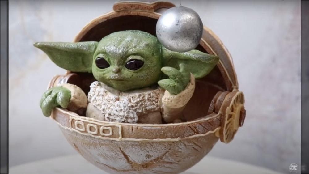 Baby Yoda made of gingerbread