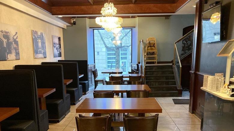 Aunt Dai restaurant in Montreal
