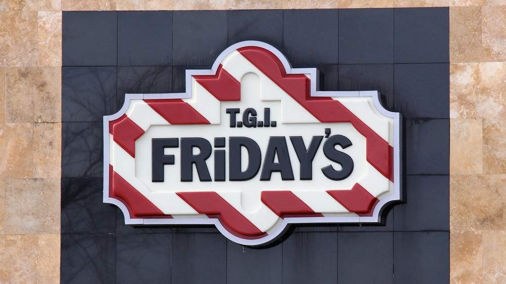 TGI Fridays outlet sign
