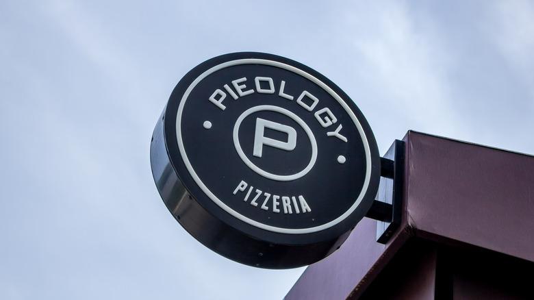 Pieology Pizzeria sign