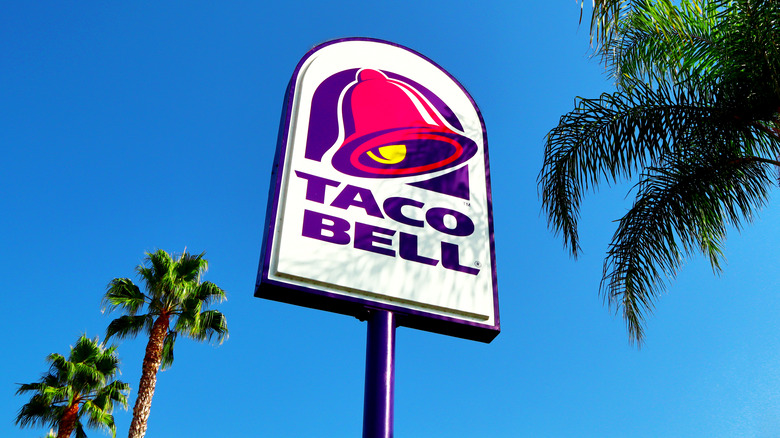 A Taco Bell and palm trees
