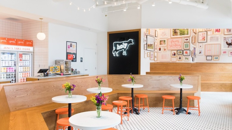Jeni's ice cream shop