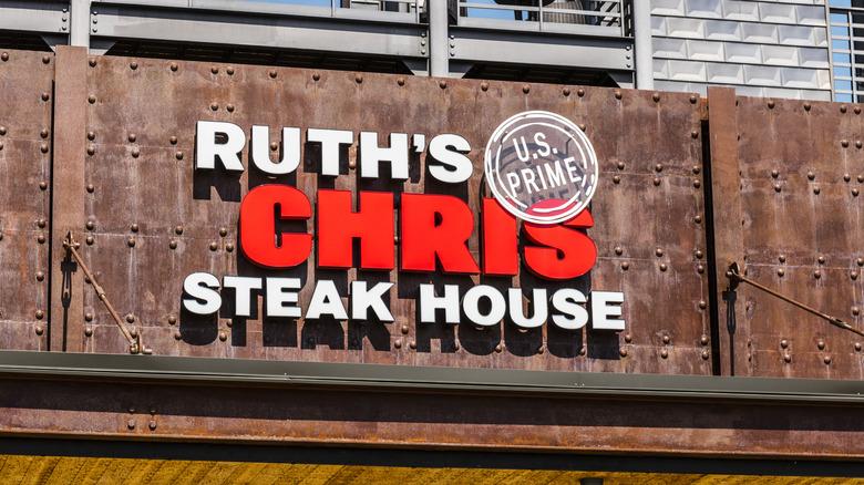 ruth's chris steak house sign