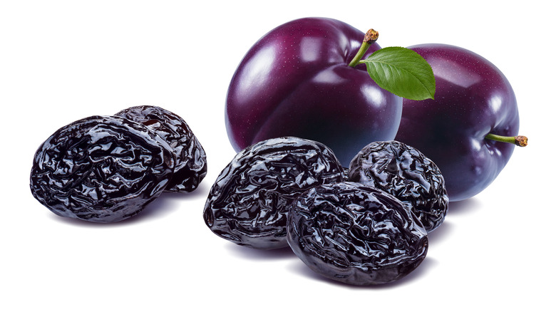 fresh plums and dried prunes