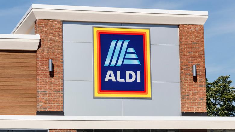 Aldi store entrance