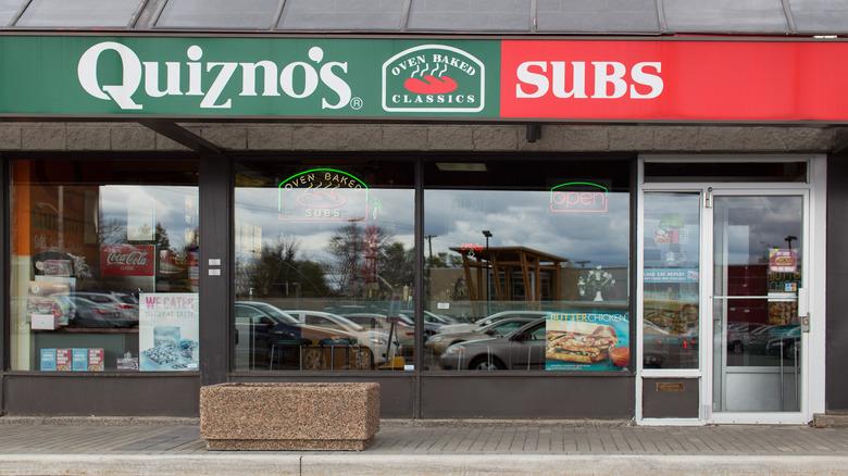 quiznos storefront entrance